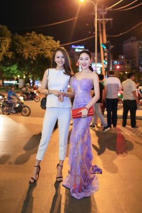 Hoa hau Huynh Thuy Anh noi bat voi dam xuyen thau lan at dan a hau, hoa khoi - Anh 6