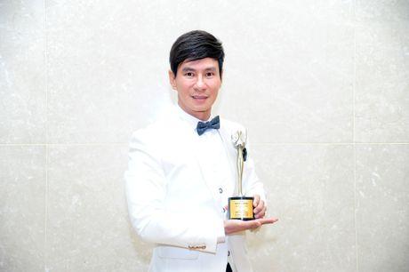 Ly Hai len tieng ve giai thuong bi cho la 'ao lang' - Anh 2