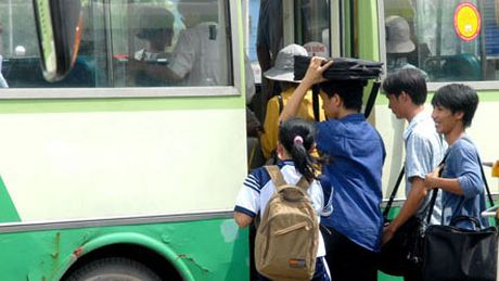 Tren 50% phu nu, tre em duoc khao sat cho biet tung bi quay roi tinh duc - Anh 1