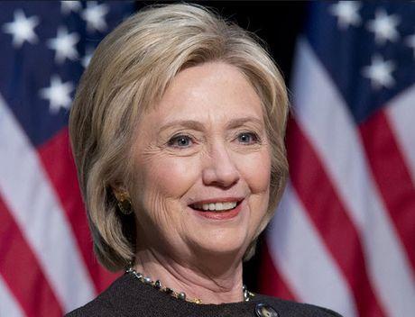 4,6 trieu nguoi ky mot thinh cau truc tuyen yeu cau dua Clinton len lam Tong thong - Anh 1