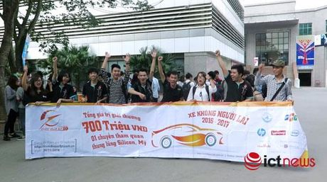 Hon 500 sinh vien dang ky tham gia 'dua xe khong nguoi lai' - Anh 1