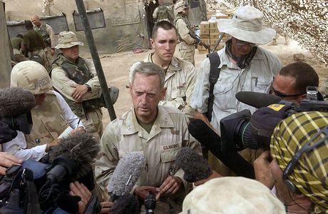 Tuong James N. Mattis se lam bo truong Quoc phong My - Anh 1