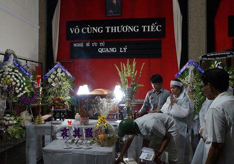 Gia dinh, ban be van chua tin... NSUT Quang Ly ra di - Anh 2