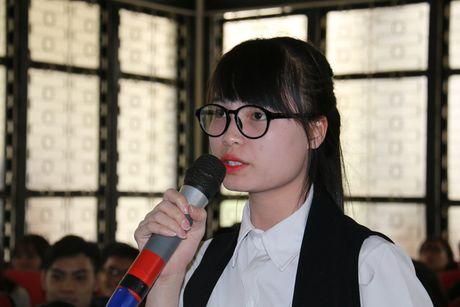 Nu sinh doi luong 2.000 USD: 'Toi khong ao tuong suc manh' - Anh 1