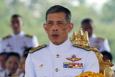 Ngai vang di kem thach thuc tan Quoc vuong Thai Lan - Anh 1