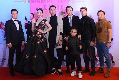 Angela Phuong Trinh dien vay ho bao bat chap gia lanh - Anh 10