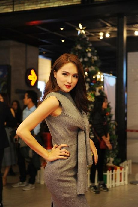 Angela Phuong Trinh dien vay ho bao bat chap gia lanh - Anh 7