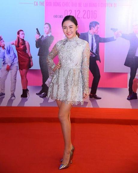 Angela Phuong Trinh dien vay ho bao bat chap gia lanh - Anh 8