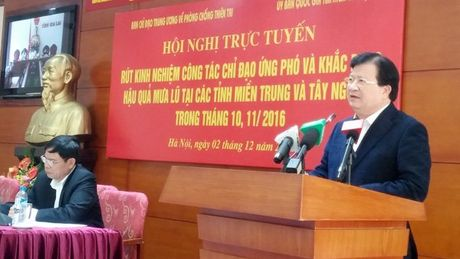 Chu quan, mua lu mien Trung lam 65 nguoi chet, mat tich - Anh 2