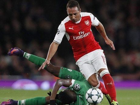 Arsenal doi mat voi nguy co mat Cazorla 3 thang - Anh 3