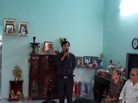 Hoi LHPN TP du le ban giao mai am tinh thuong tai Nha Be - Anh 2