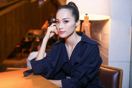 Sau nghi van ran nut tinh cam, Ha Vi duoc Cuong Do La tang sieu xe 3 ty - Anh 7