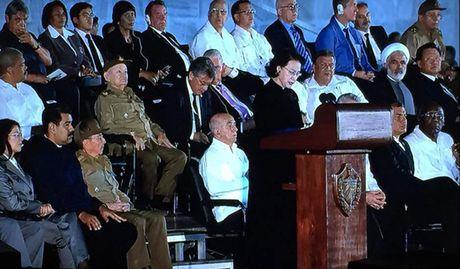 Toan canh: Chu tich Quoc hoi sang Cuba vieng Lanh tu Fidel Castro - Anh 12