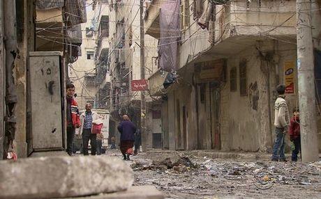 Syria: Gan 30.000 nguoi chay tron khoi khu vuc cua phien quan - Anh 1