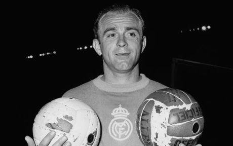 El Clasico: Doi hinh ket hop cac huyen thoai cua Barca voi Real - Anh 8