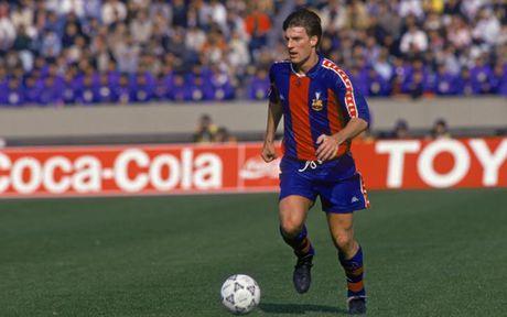 El Clasico: Doi hinh ket hop cac huyen thoai cua Barca voi Real - Anh 9