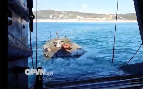 Goi nang cap moi khien PT-76 Viet Nam cuc manh - Anh 1