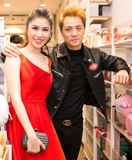 Huong Giang Idol mac vay cat tren xe duoi hut moi anh nhin - Anh 6