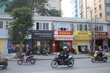 Pho kieu mau Ha Noi 'coi' dan bien hieu 'dong phuc' - Anh 3