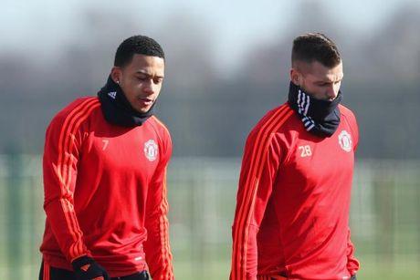 Tong hop chuyen nhuong ngay 18/12: M.U chia tay 3 cau thu, Arsenal bo Draxler san sao Real - Anh 1