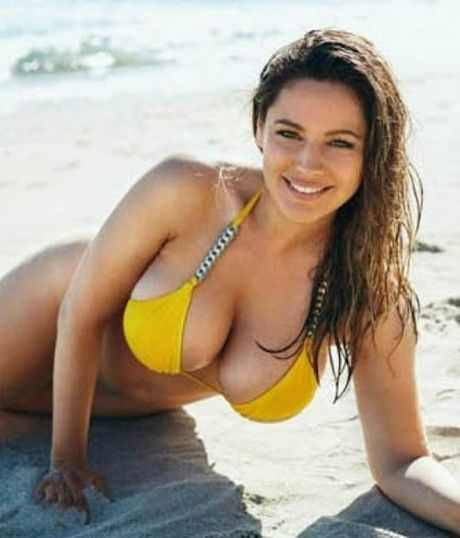 Kelly Brook: My nu co so do chuan nhat the gioi - Anh 4