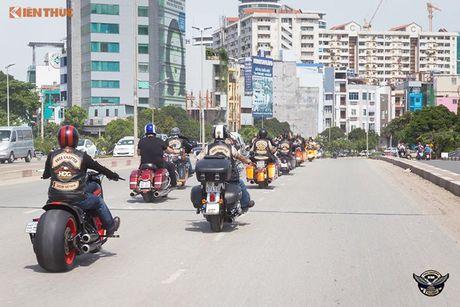 Dan choi Harley-Davidson 3 mien ram ro tien ve Sai Gon - Anh 3