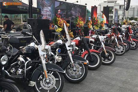 Dan choi Harley-Davidson 3 mien ram ro tien ve Sai Gon - Anh 4