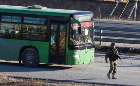 Dan so tan khoi dong thanh pho Aleppo qua anh - Anh 12