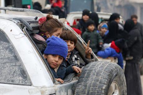 Dan so tan khoi dong thanh pho Aleppo qua anh - Anh 2