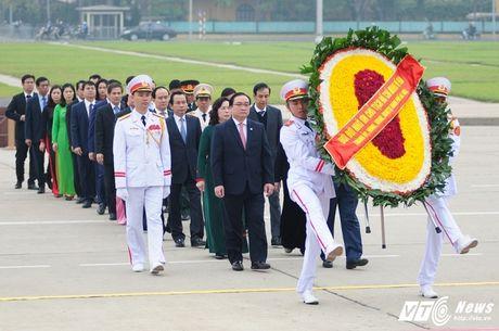 Lanh dao Dang, Nha nuoc vieng lang Chu tich Ho Chi Minh ky niem 70 nam Toan quoc khang chien - Anh 5