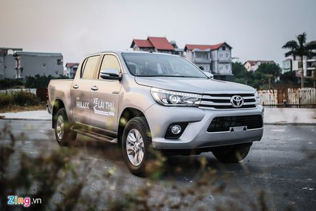 Anh Toyota Hilux 2.8G 2016 gia 870 trieu dong - Anh 13