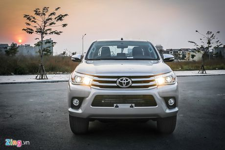 Anh Toyota Hilux 2.8G 2016 gia 870 trieu dong - Anh 3