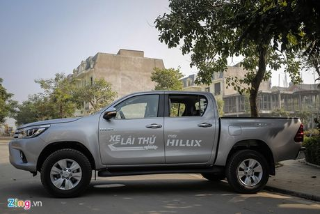 Anh Toyota Hilux 2.8G 2016 gia 870 trieu dong - Anh 4