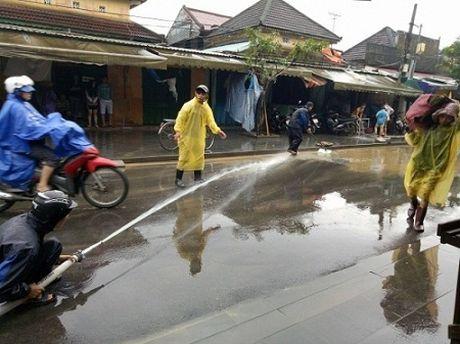 Cac tinh mien Trung khan truong khac phuc hau qua sau lu - Anh 4