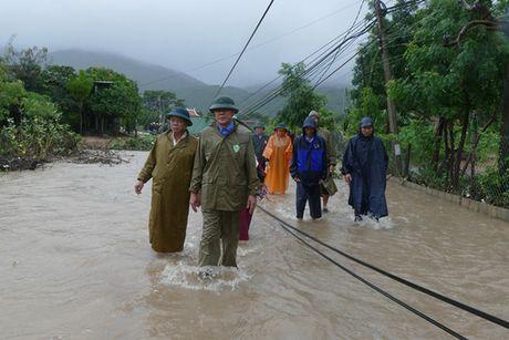 Mua lu uy hiep, hang tram nguoi dan Ninh Thuan phai so tan - Anh 5