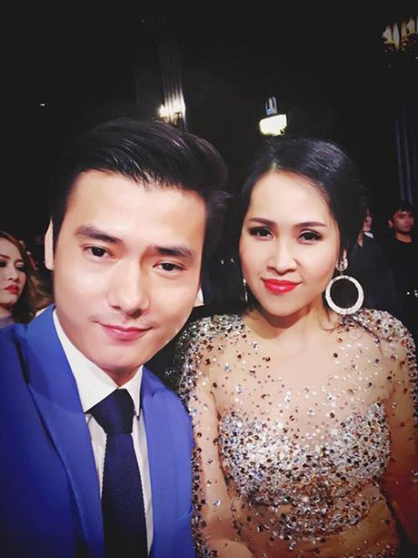 """Gai nhay"" Minh Thu dep doi, goi cam ben Nam vuong Pham Xuan Hien - Anh 1"