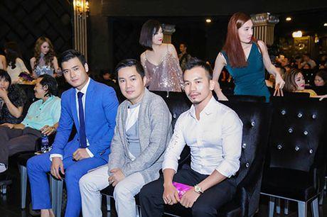 """Gai nhay"" Minh Thu dep doi, goi cam ben Nam vuong Pham Xuan Hien - Anh 4"