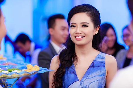 MC Ngoc Trang nhieu show hon sau khi cong khai chuyen tinh dong tinh - Anh 2