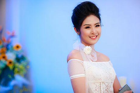 MC Ngoc Trang nhieu show hon sau khi cong khai chuyen tinh dong tinh - Anh 6