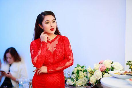 MC Ngoc Trang nhieu show hon sau khi cong khai chuyen tinh dong tinh - Anh 8