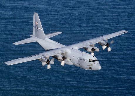 Kham pha 'Luc si bau troi' C-130 Hercules huyen thoai - Anh 1