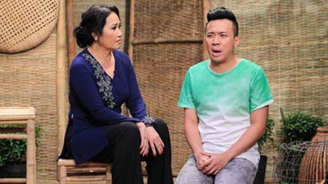 Tran Thanh, An Nguy gay nao loan duong pho khi nhay flashmob cung fans - Anh 2