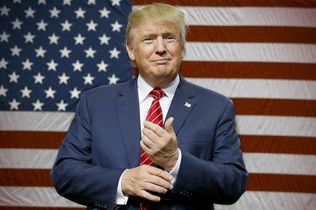 Duc 'cang thang' khi ong Donald Trump hua hen chinh sach ngoai giao moi - Anh 1