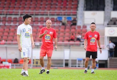 Cong Phuong mang 'vat la' vao san tap - Anh 9