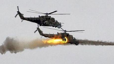 Quan doi Syria quyet giu can cu T-4 o Homs, danh thong duong noi al-Qaryatayn - Anh 1