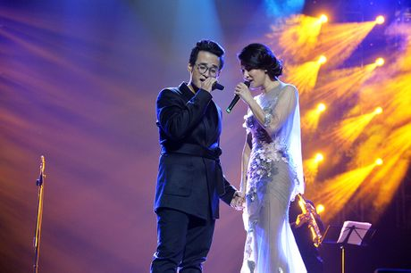 Ha Anh Tuan van say dam Phuong Linh nhu thuo moi 'yeu nhau' - Anh 7