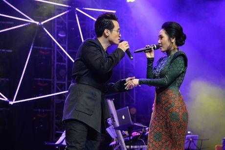 Ha Anh Tuan van say dam Phuong Linh nhu thuo moi 'yeu nhau' - Anh 8