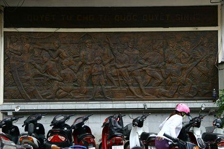 Nhung di tich gan lien voi cuoc khang chien chong Phap o Ha Noi - Anh 15