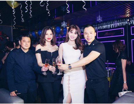 Chan dung con trai ty phu Hoang Kieu xem Ngoc Trinh la me - Anh 8