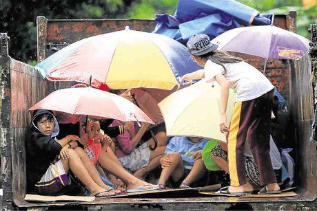 Hinh anh sieu bao Nock-ten tan pha Philippines - Anh 4